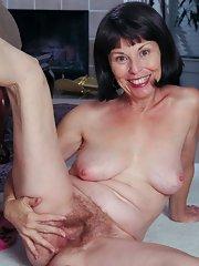 Brunette granny porn