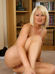 Shaved pussy spread blonde milf