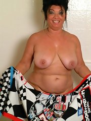 Moms chubby pussy