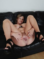 Messy Anals Wife Spread Naked On Couch